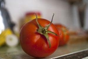 Vitamin E in tomato juice